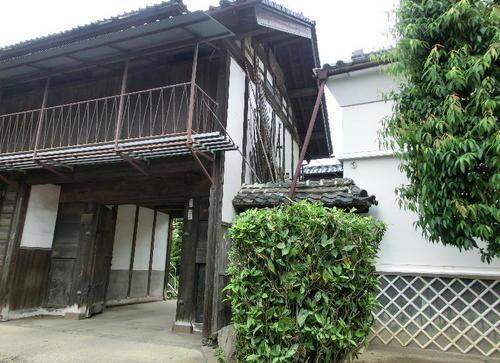 06立派な養蚕農家の屋敷.JPG