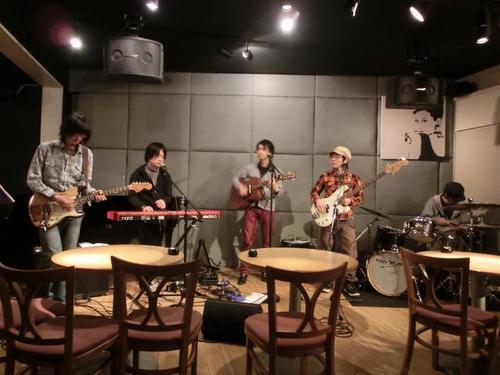 09演奏中のバンド.JPG