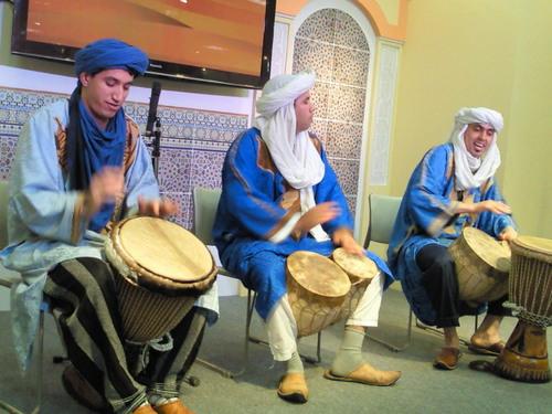 20120725モロッコの砂漠の民ベルベル人の民族音楽.jpg