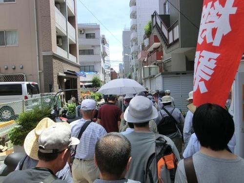 04会場への裏通り.JPG
