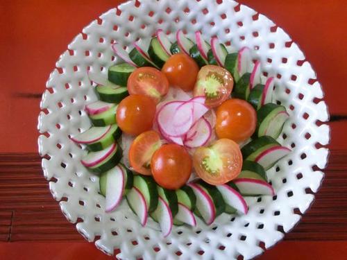 06きゅうりとトマトと赤カブ.JPG