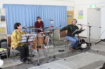 20120218-007楽器紹介.jpg